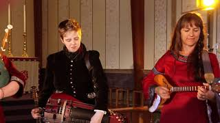 Banquo Folk Ensemble - Bon Bon Si L'Amour Vous Gene   Bransle Ecosse   L'Homme Arme