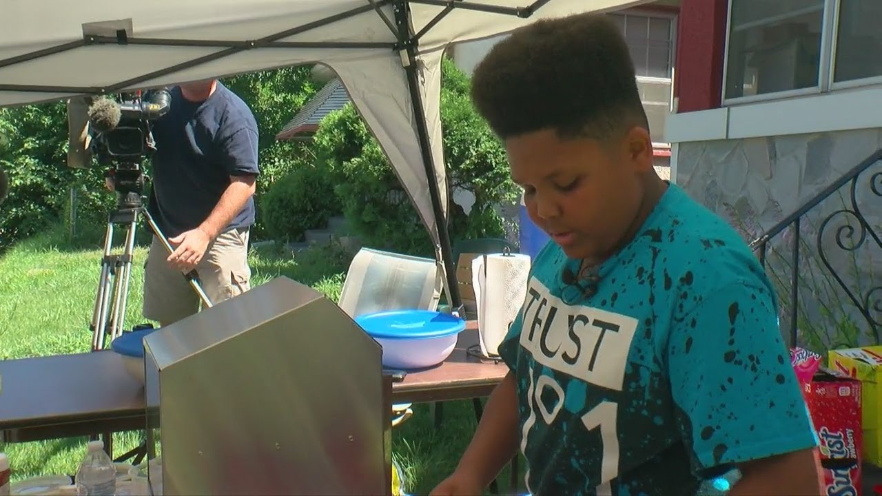 Teen Gets Help To Keep His Hot Dog Stand After call to inspectors fail