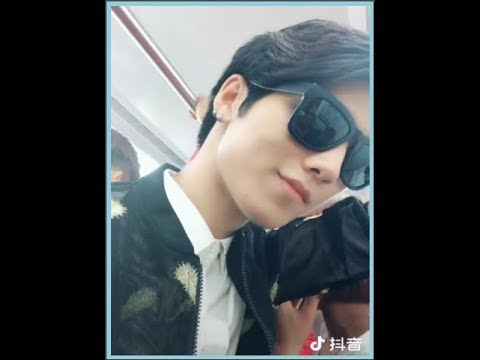 """Tàu điện ngầm thực sự là """"Thiên Đường"""" của trai đẹp -Góc Thả Thính #3 -Tiktok China"""