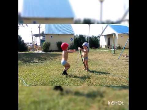 Детки играют ,Ладога , ржд