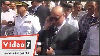 بالفيديو.. مدير أمن القاهرة يتجول فى مداخل مترو حلوان أثناء حملة إزالة الباعة