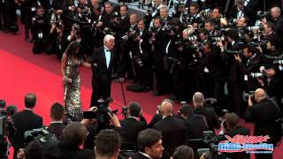 Belmondo à Cannes: Enorme émotion sur les marches