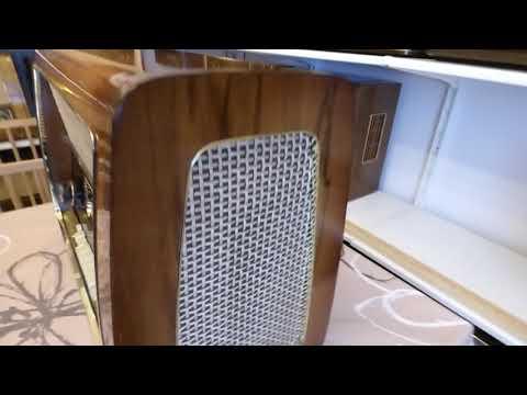 Mi radio de válvulas marca SCHAUB LORENZ, GOLDKLANG 58, 4006, funcionando.