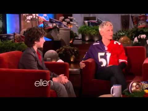 Nolan Gould Sings on 'Modern Family'2908