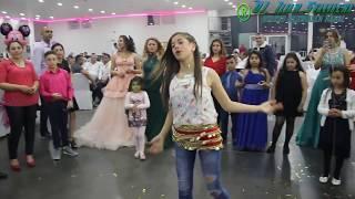 Güzel kız oynama Roman Havasi 2017 '' Marka, Kalite '' Düğün dansı '' LIVE 2017.  © & ® thumbnail