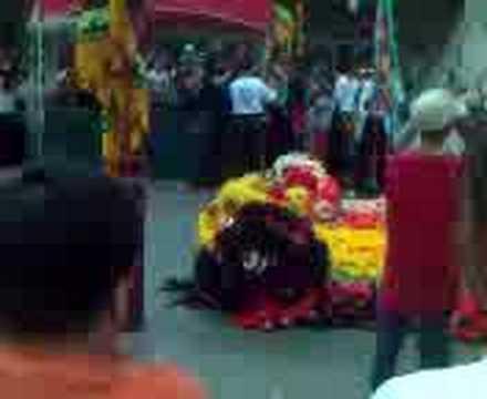 lion dance drumming nhon nghia duong