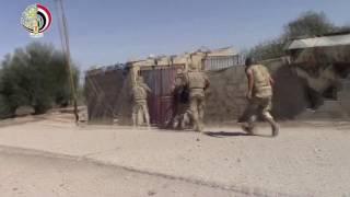 فيديو.. لحظة مداهمة القوات المسلحة لبعض العناصر الإرهابية بشمال سيناء