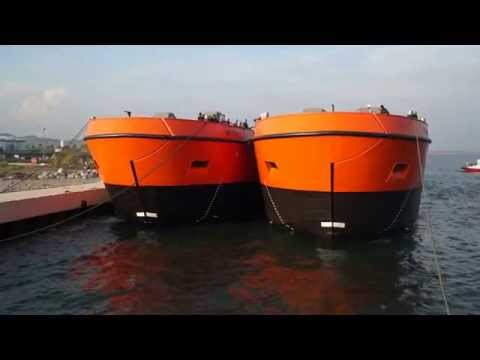 1500 m3 Split Hopper Barges Launching