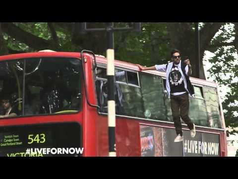 Dynamo bus trick    màn ảo thuật bay trên xe bus ở London