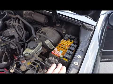 Ford Explorer Sport Trac AC clutch fuse and relay - YouTube