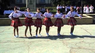 Ansamblul Tineretea dansul ,,Toamna''