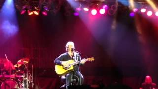 Travis Tritt Tell me I was Dreaming Live