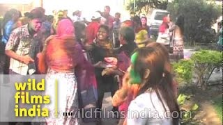 Holi colours draw foreign tourists to Agra, India