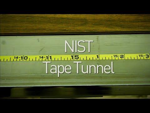 El sitio en el que se miden las cintas de medir: el tunel de calibración del NIST