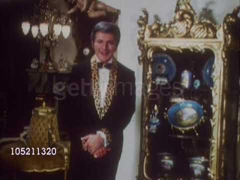 Liberace and the Antiques at his Hollywood Hills home (1967)