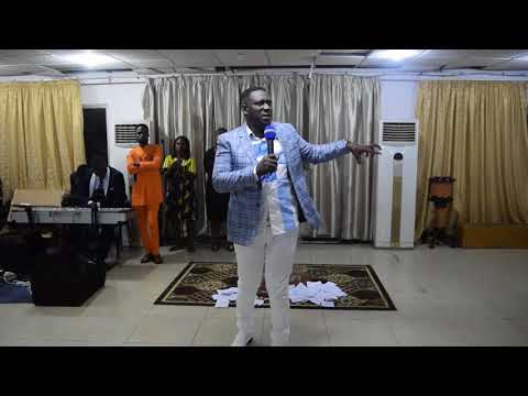 PROPHET OWUSU AFRIYIE MINISTERING AT PROPHET FRANCIS OUTREACH TITLED WOMAN THOU ART LOOSE