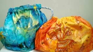 Сумки, украшенные росписью по ткани - батиком(Еще украсить ваши сумки можно росписью по ткани батик. Например, или расписать ткань батиком и сшить из..., 2016-01-13T14:00:04.000Z)