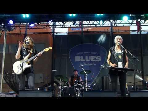 Larkin Poe - Blue Ridge Mountain Memories - 6/28/18 NY State Blues Festival - Syracuse, NY
