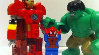 Lego Hulk vs Hulkbuster
