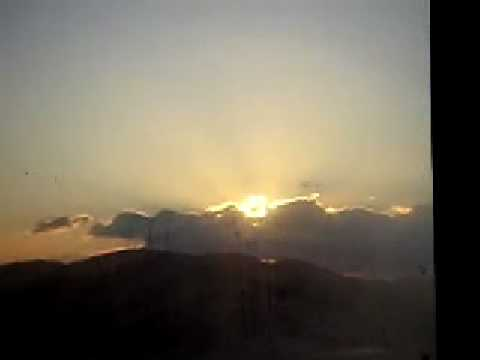 初日の出 2008年 雲間から