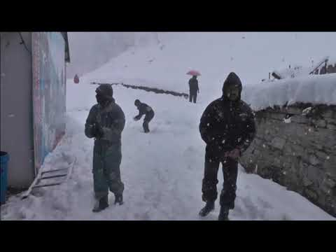 Heavy snowfall hits India's Himalayan states