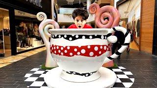 AVM 'de SAKLAMBAÇ ! Hide and Seek in shopping mall Family Funny Games
