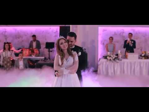 Our first dance | Andreea & Adrian Ristea Wedding