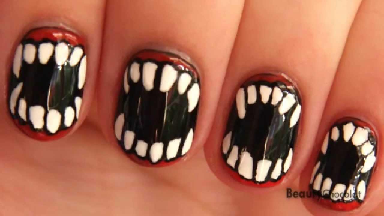 halloween fangs nail art short