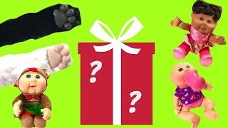 HUGE CHRISTMAS Surprise Box from Wicked Cool Toys! Cabbage Patch Kids Dolls & Cat Paws!