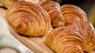FRENCH CROISSANTS - recipe + laminated yeast dough / English subtitles