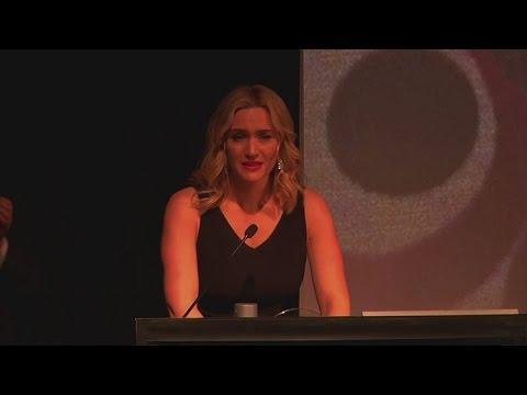 Kate Winslet tearfully remembers Alan Rickman at London Critics' Circle Awards
