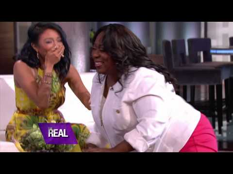 Loni Gets a Smooch from Morris Chestnut