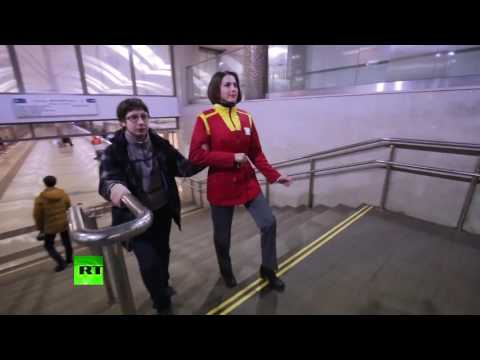 Видео: В московском метро провели грандиозный флешмоб Mannequin Challenge