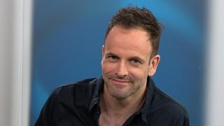 Jonny Lee Miller prepares for 50-mile ultra marathon