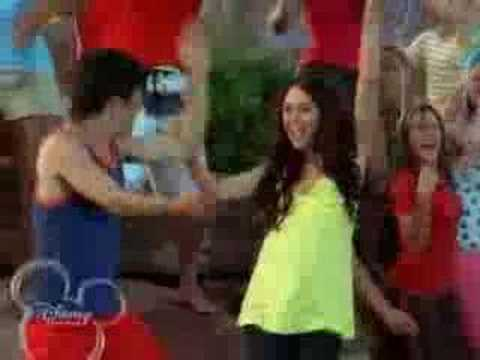 Was miley cyrus in hsm2 bet