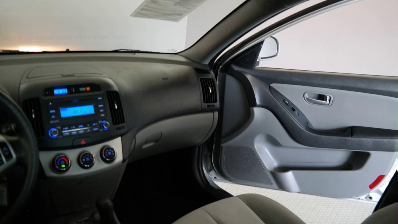 Hyundai Elantra: Key reminder warning chime (if equipped)