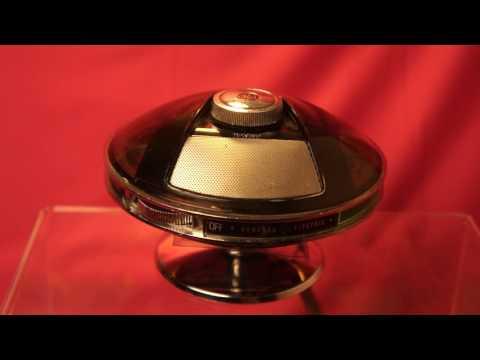 Vintage Seventies Design GENERAL ELECTRIC GE P2775A Radio AM transistor UFO Flying saucer