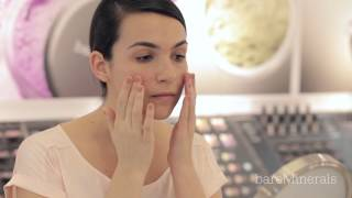 bareMinerals bareSkin Foundation: How to apply with your fingers Thumbnail