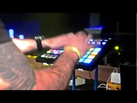 """Incredible"" Pad Drumming Live On Maschine 