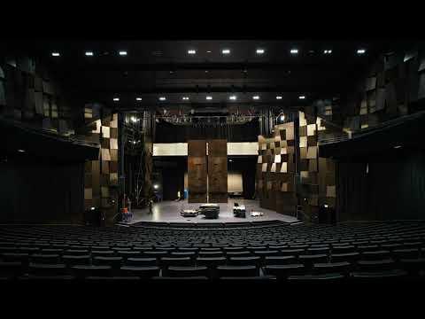 Montage de la conque acoustique au Théâtre Saint-Louis