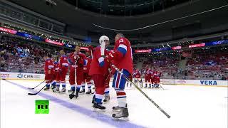 Путин участвует в гала-матче по хоккею в Сочи