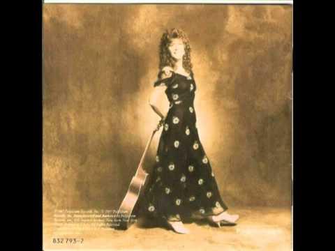Kathy Mattea - Eighteen Wheels And A Dozen Roses.