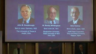 Лауреатами Нобелевской премии по химии стали Джон Гуденаф, Стэнли Уиттингем и Акира Йосино.