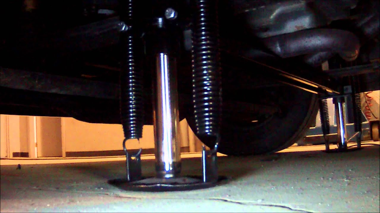 Rv Hydraulic Leveling Jacks : Jack hwh ford classe a hydraulic leveling jacks youtube