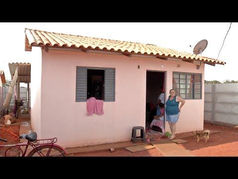 MARTINHO CAMPOS: Casas são entregues com defeitos