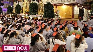 Mặc cả tiền cúng sao giải hạn ngay trước cửa Phật | VTC1