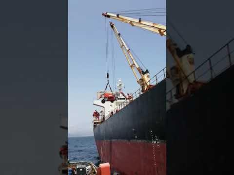 ship crane lifting technician
