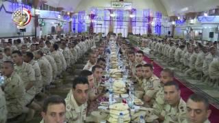 الفريق أول صدقى صبحى يلتقى مقاتلى القوات المسلحة ويشاركهم تناول الإفطار خلال شهر رمضان المبارك