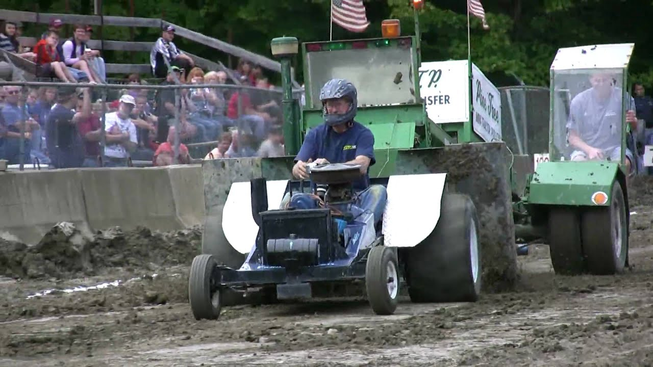 Mini Mod Tractor Pulling : Cylinder mini modified tractor pull youtube