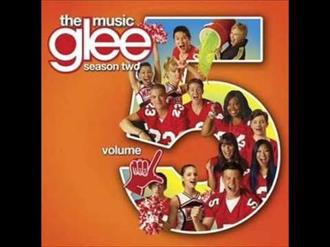 Glee Cast - Blackbird [HQ audio]